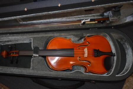 Nowe instrumenty oraz akcesoria muzyczne(ławy fortepianowe i pulpity)